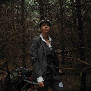 L'artista caminant Monique Besten (Paisos Baixos) guanya la Beca Grand Tour Walking Art 2017 i acompanyarà els caminants en la ruta d'enguany