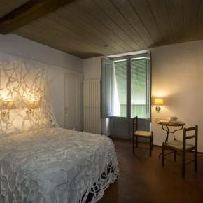 Room#11 Elena Font Rodà & Clara Garí. Instal·lació i biblioteca de llibretes