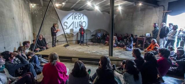 20 d'abril. Concert de percussió Amb Arpasauro. Jordi Rallo, Herbert de Miranda, Gil Teixeira i Santi Cholbi van explorar Arpasauro de Toko Okuda